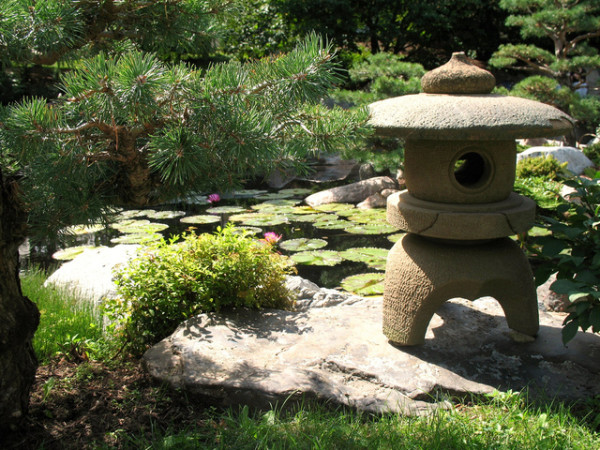 Lanterne toro pour jardin japonais